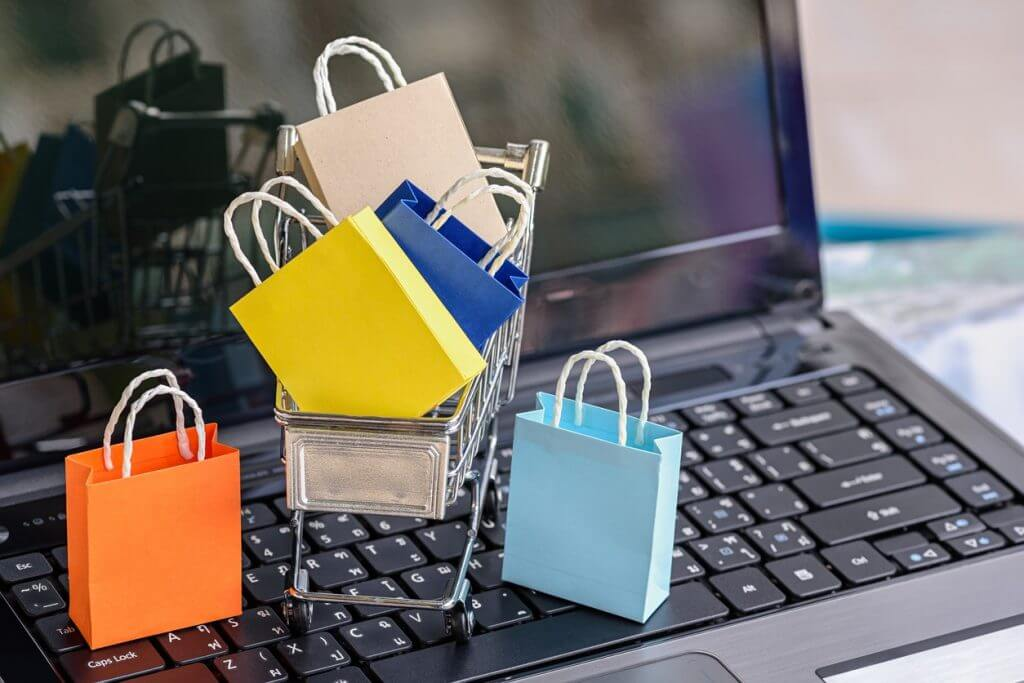 Обсуждение с экспертами октябрьских новостей в e-commerce